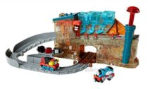 Поезд Томас Fisher-Price Thomas the Train Take-n-Play Engine Maker